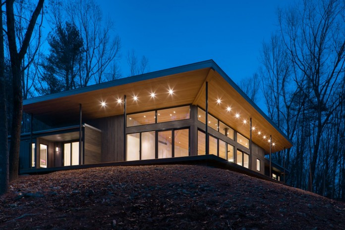 lantern-ridge-house-perched-top-wooded-knoll-hudson-valley-studio-mm-architect-15