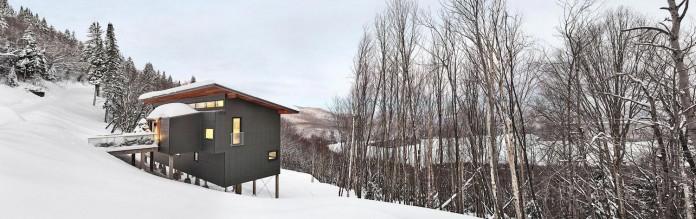 laurentian-ski-chalet-lac-archambault-quebec-robitaille-curtis-01