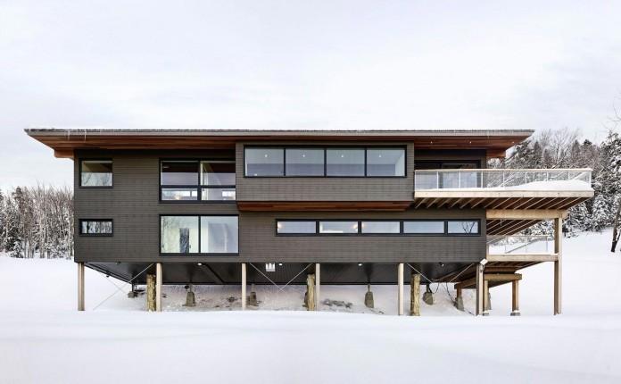 laurentian-ski-chalet-lac-archambault-quebec-robitaille-curtis-02
