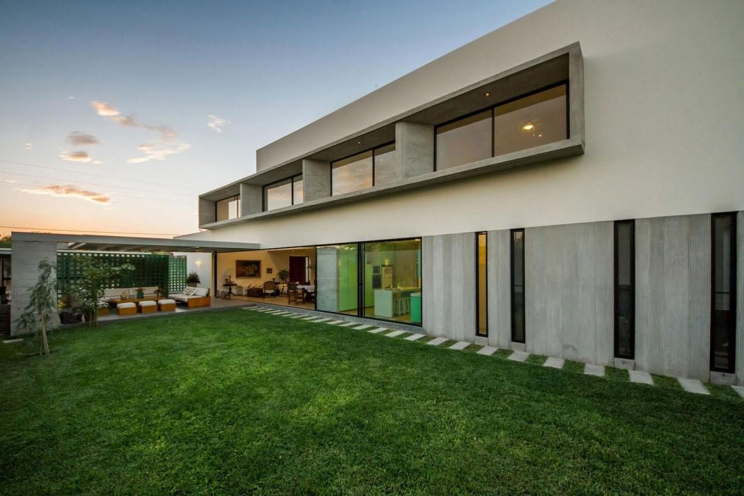 LB4 House in Piura, Peru by Riofrio+Rodrigo Arquitectos