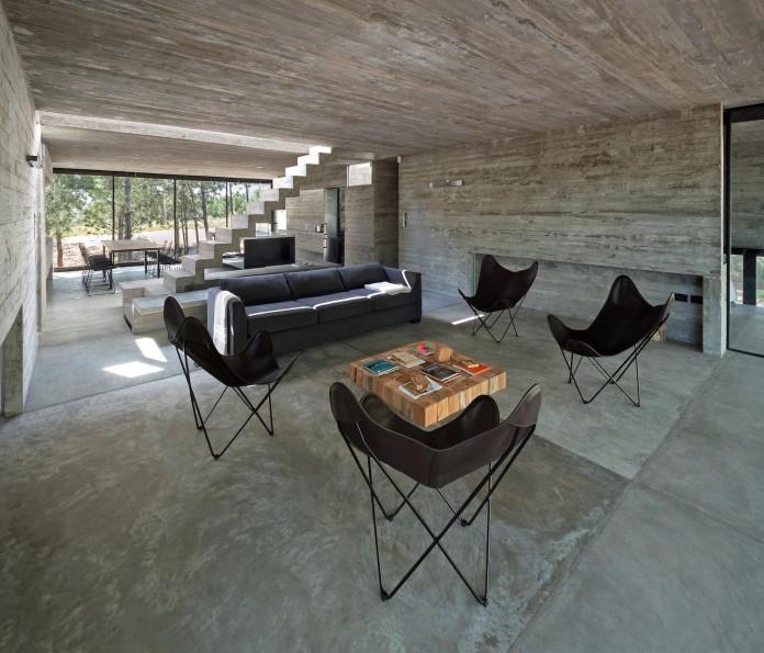 luciano-kruk-design-l4-house-located-pine-forest-near-sea-10