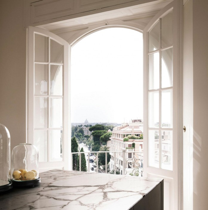 modern-apartment-pale-colours-young-couple-rome-quincoces-drago-partners-05