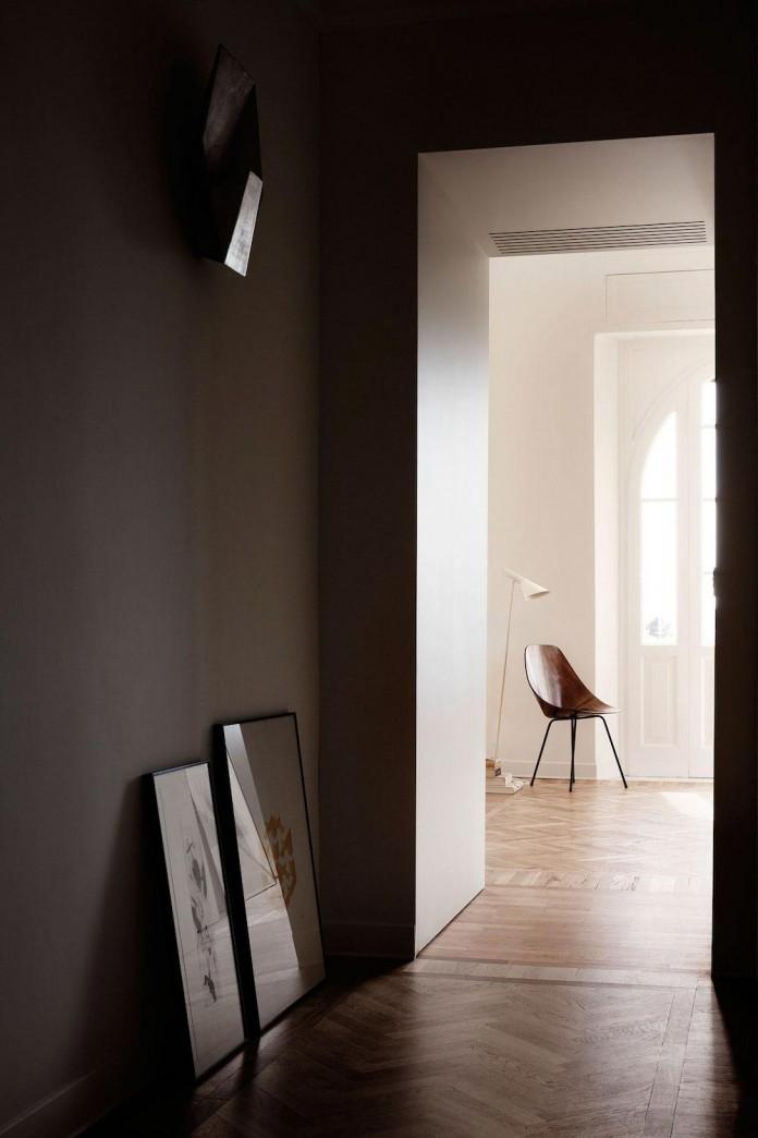 modern-apartment-pale-colours-young-couple-rome-quincoces-drago-partners-14
