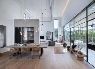 Modern Design of Savion Residence by Neuman Hayner Architects