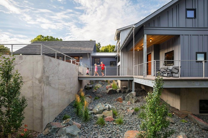 modern-lake-edge-home-excelsior-minnesota-rehkamp-larson-architects-brooke-voss-design-01
