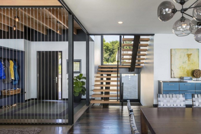 modern-lake-edge-home-excelsior-minnesota-rehkamp-larson-architects-brooke-voss-design-02