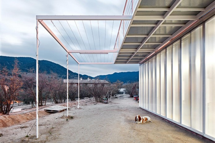 oe-house-fake-industries-architectural-agonism-aixopluc-02
