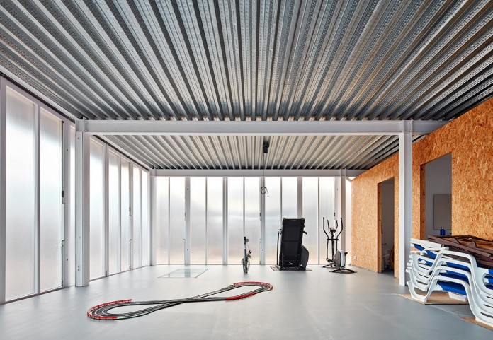 oe-house-fake-industries-architectural-agonism-aixopluc-03