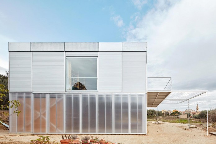 oe-house-fake-industries-architectural-agonism-aixopluc-08