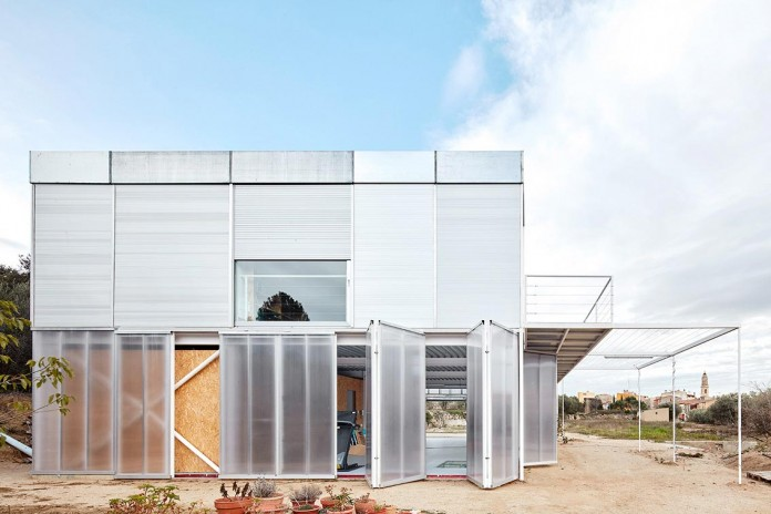 oe-house-fake-industries-architectural-agonism-aixopluc-09