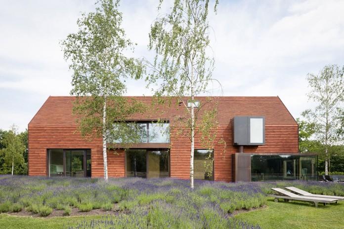 pascal-francois-architects-design-minimalist-barn-type-olmen-home-balen-belgium-01