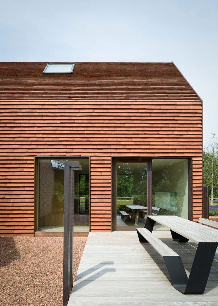 pascal-francois-architects-design-minimalist-barn-type-olmen-home-balen-belgium-04