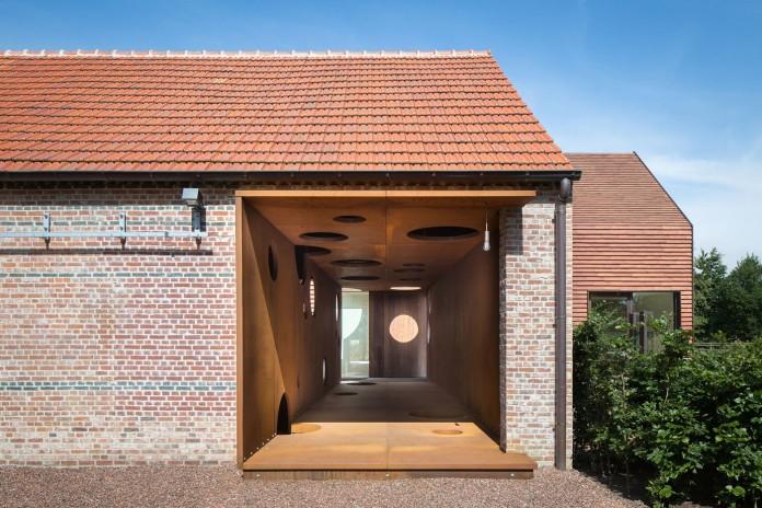pascal-francois-architects-design-minimalist-barn-type-olmen-home-balen-belgium-05