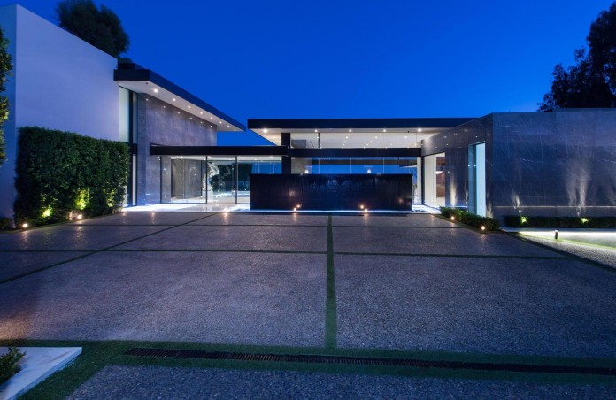 stradella-ultramodern-masterpiece-home-hollywood-hills-designed-paul-mcclean-02