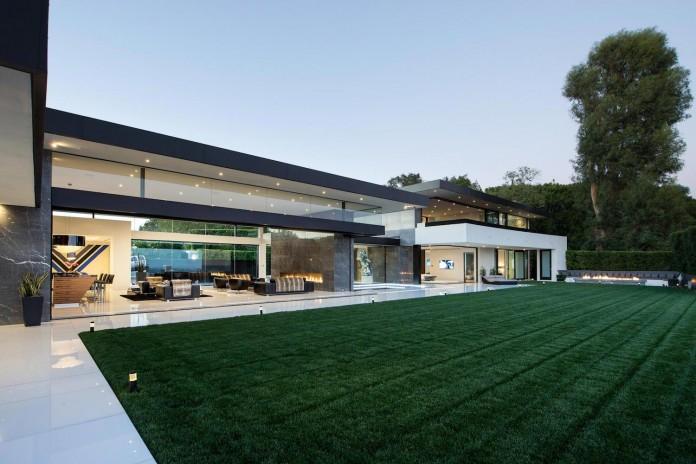 stradella-ultramodern-masterpiece-home-hollywood-hills-designed-paul-mcclean-11