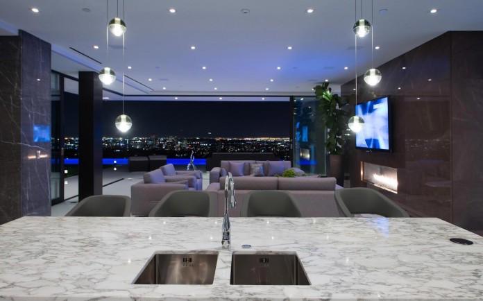 stradella-ultramodern-masterpiece-home-hollywood-hills-designed-paul-mcclean-13