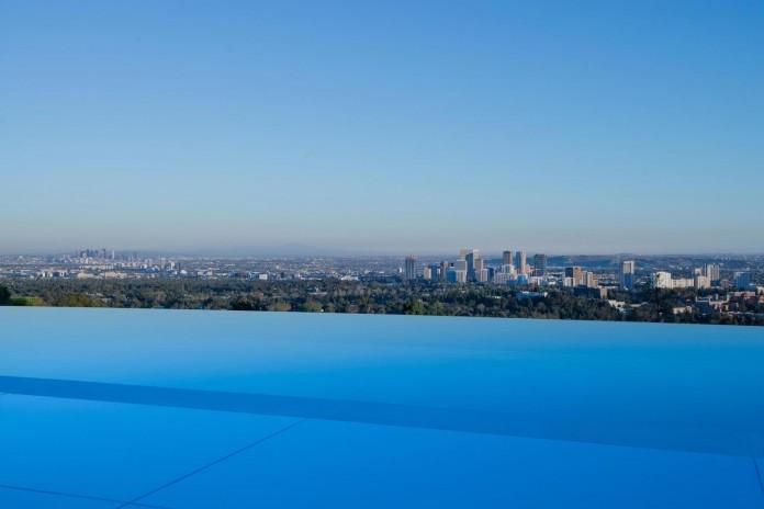 stradella-ultramodern-masterpiece-home-hollywood-hills-designed-paul-mcclean-20
