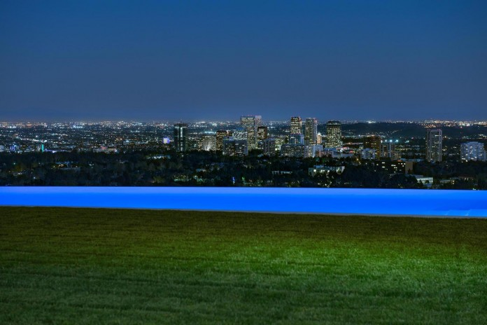 stradella-ultramodern-masterpiece-home-hollywood-hills-designed-paul-mcclean-21