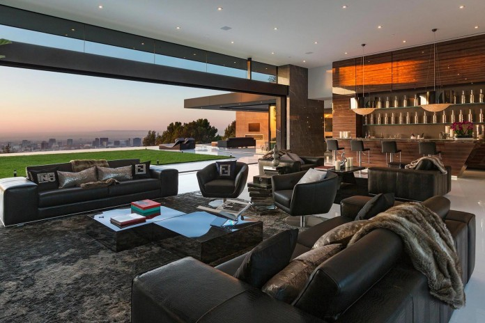stradella-ultramodern-masterpiece-home-hollywood-hills-designed-paul-mcclean-24
