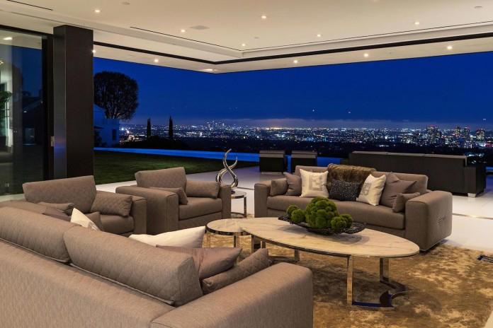 stradella-ultramodern-masterpiece-home-hollywood-hills-designed-paul-mcclean-30