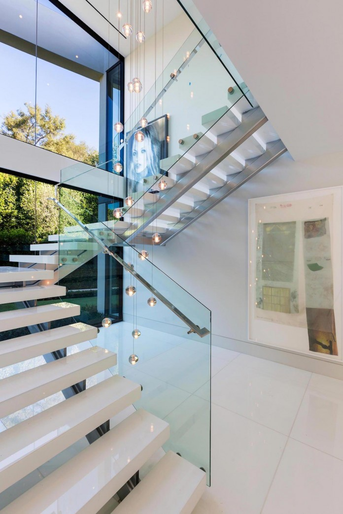 stradella-ultramodern-masterpiece-home-hollywood-hills-designed-paul-mcclean-34