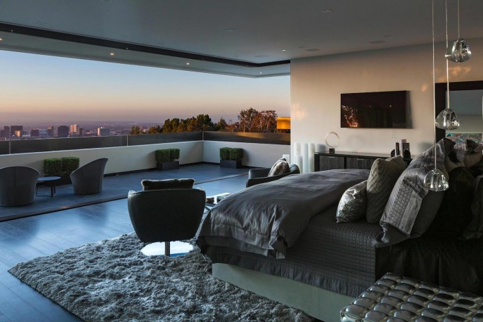 stradella-ultramodern-masterpiece-home-hollywood-hills-designed-paul-mcclean-37