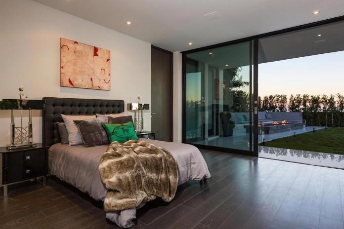 stradella-ultramodern-masterpiece-home-hollywood-hills-designed-paul-mcclean-43