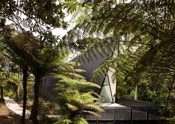 tent-house-waiheke-island-chris-tate-architecture-01
