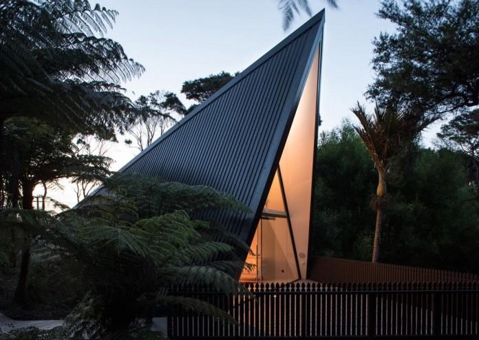 Tent House On Waiheke Island By Chris Tate Architecture