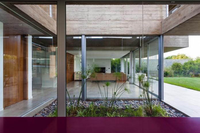 17x17-contempoary-house-funes-matias-imbern-08