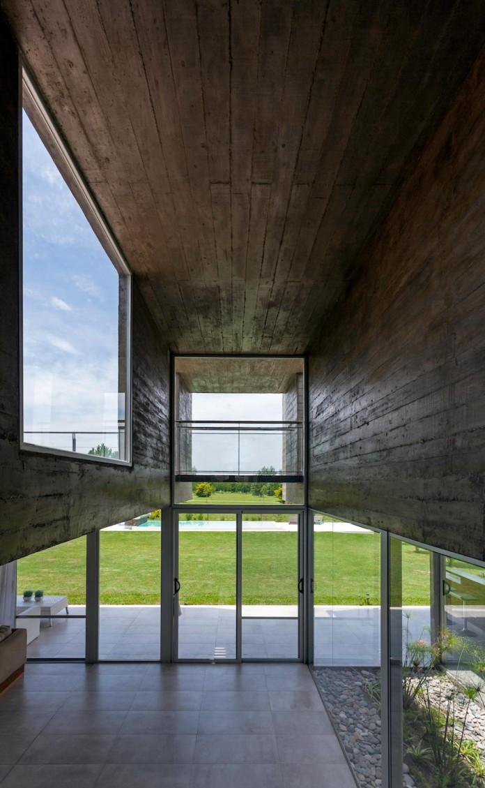 17x17-contempoary-house-funes-matias-imbern-10
