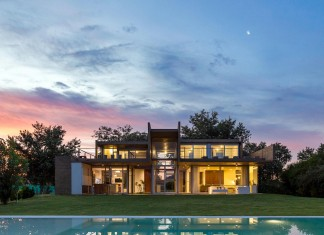 17x17 Contempoary House in Funes by Matías Imbern