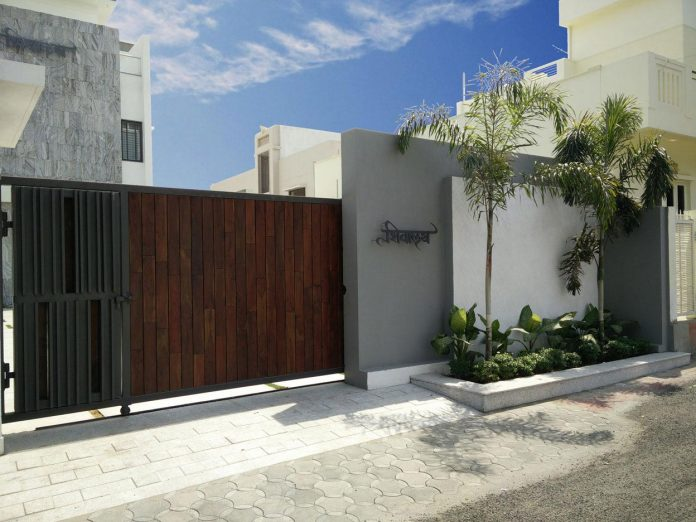 7500-square-foot-modern-wall-house-skywardinc-architects-01