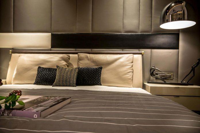 7500-square-foot-modern-wall-house-skywardinc-architects-16