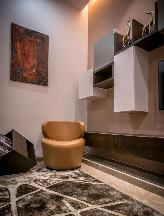 7500-square-foot-modern-wall-house-skywardinc-architects-24