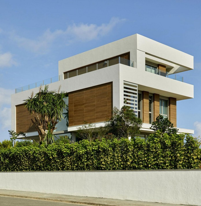 Designer-Villa-Close-to-the-Sea-02