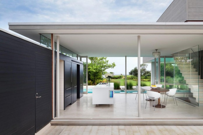Steven-Harris-Architects-design-the-modern-The-Surfside-Residence-in-East-Hampton-05