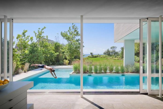 Steven-Harris-Architects-design-the-modern-The-Surfside-Residence-in-East-Hampton-09