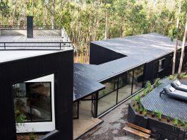 Alfredo Comandari design the Aguas Claras House located in the midst of a eucalyptus forest
