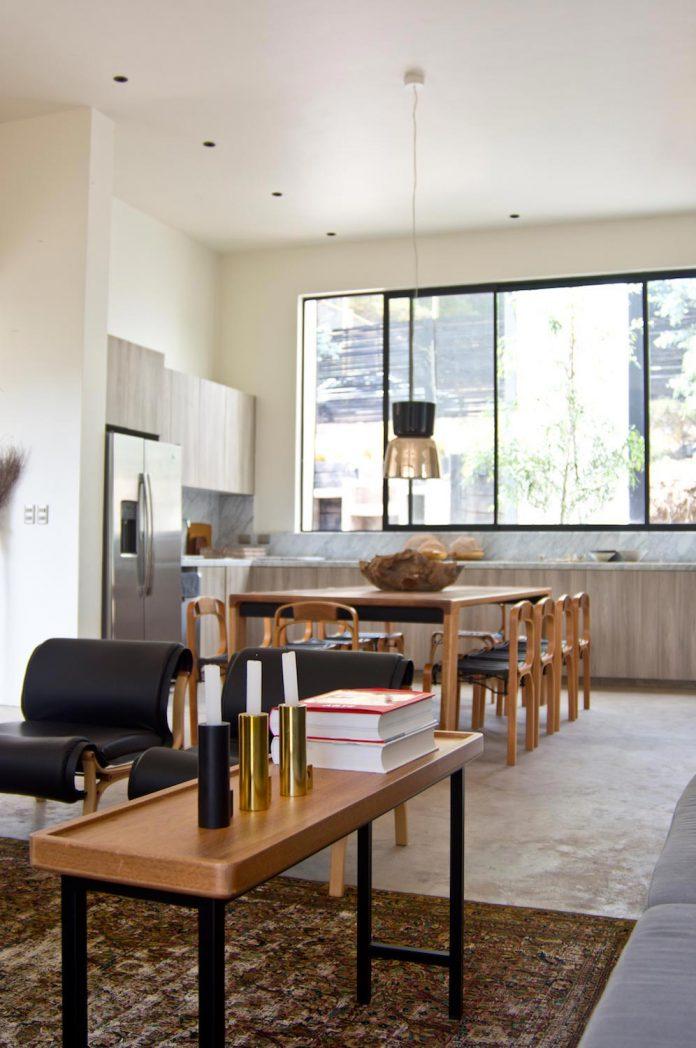 alfredo-comandari-design-aguas-claras-house-located-midst-eucalyptus-forestp-10