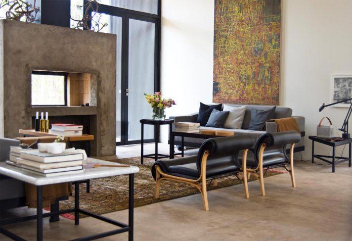 alfredo-comandari-design-aguas-claras-house-located-midst-eucalyptus-forestp-12