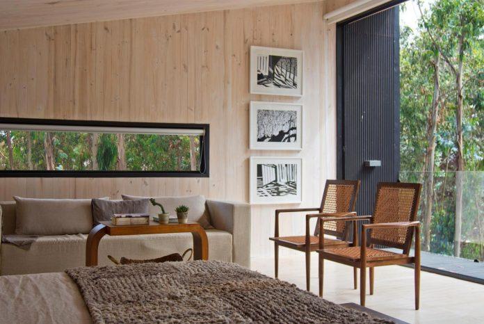 alfredo-comandari-design-aguas-claras-house-located-midst-eucalyptus-forestp-14