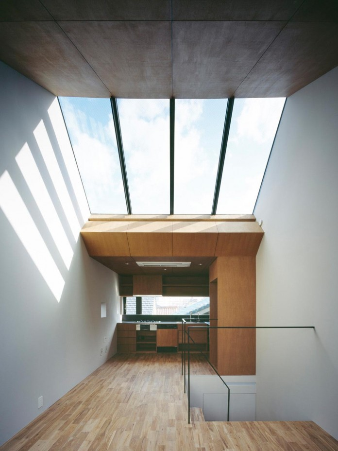 apollo-architects-design-nest-small-steel-frame-structure-three-level-house-04