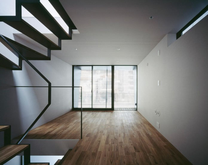apollo-architects-design-nest-small-steel-frame-structure-three-level-house-08