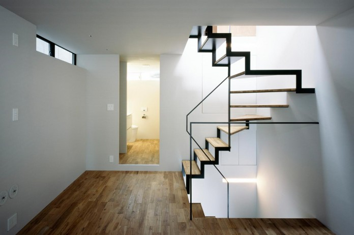 apollo-architects-design-nest-small-steel-frame-structure-three-level-house-09