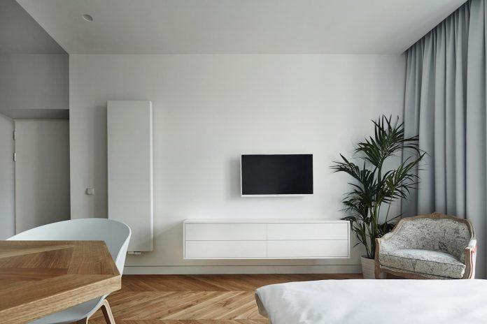 blackhaus-design-tiny-daniel-apartment-near-historic-centre-krakow-krakow-poland-02