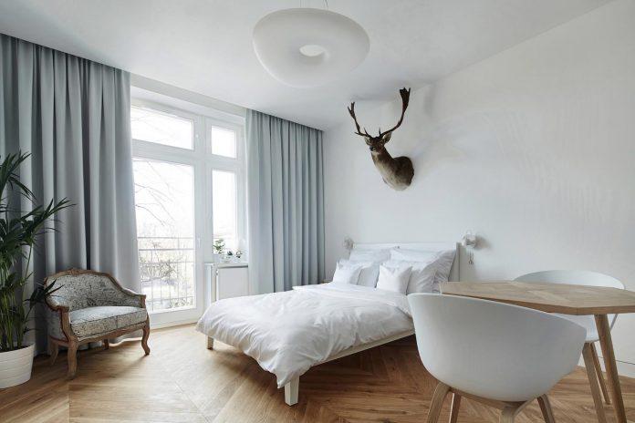 blackhaus-design-tiny-daniel-apartment-near-historic-centre-krakow-krakow-poland-03