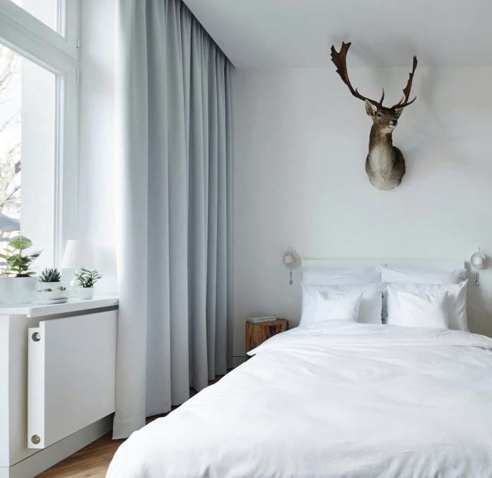 blackhaus-design-tiny-daniel-apartment-near-historic-centre-krakow-krakow-poland-05