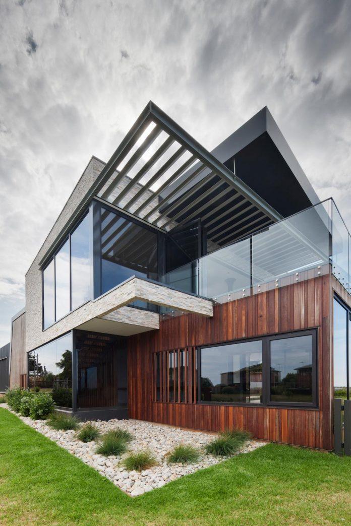 bold-sharp-textural-design-rhyll-villa-jarchitecture-06