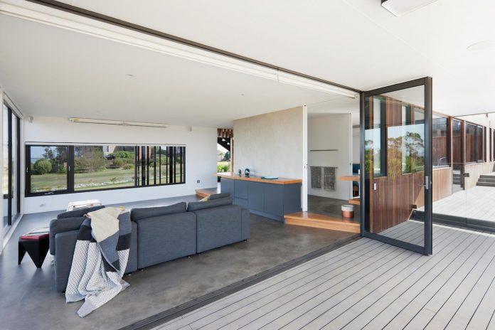 bold-sharp-textural-design-rhyll-villa-jarchitecture-10